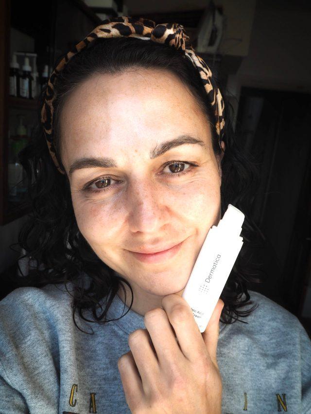 Examen de la crème à l'acide azélaïque Dermatica à 20%, selfie