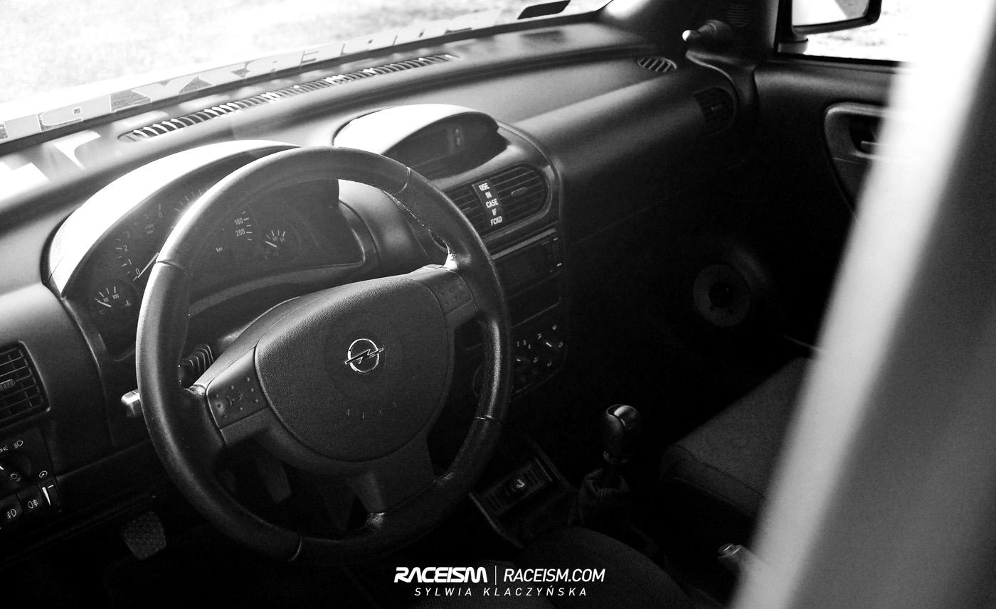 2003 Opel Astra Car Audio