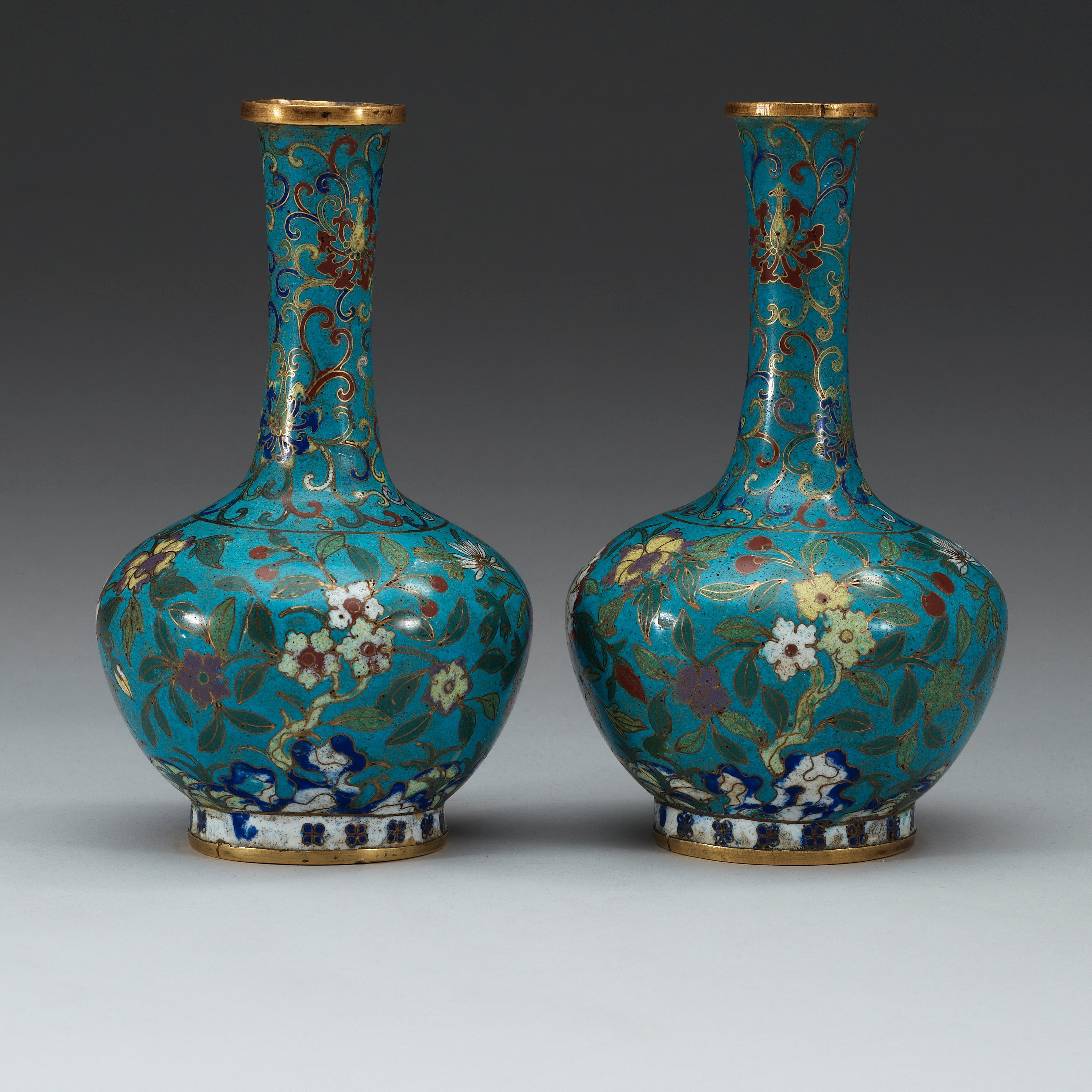 A Pair Of Cloisonne Vases Qing Dynasty