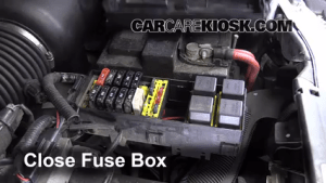Replace a Fuse: 19951998 Ford Windstar  1996 Ford Windstar GL 38L V6