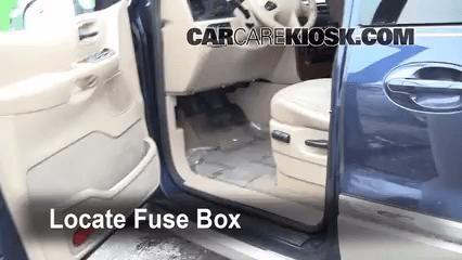 1996 ford windstar fuse diagram jeep wiring download interior box location 1999 2003 2002 locate and remove cover