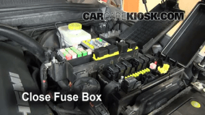 Replace a Fuse: 20062010 Jeep Commander  2008 Jeep