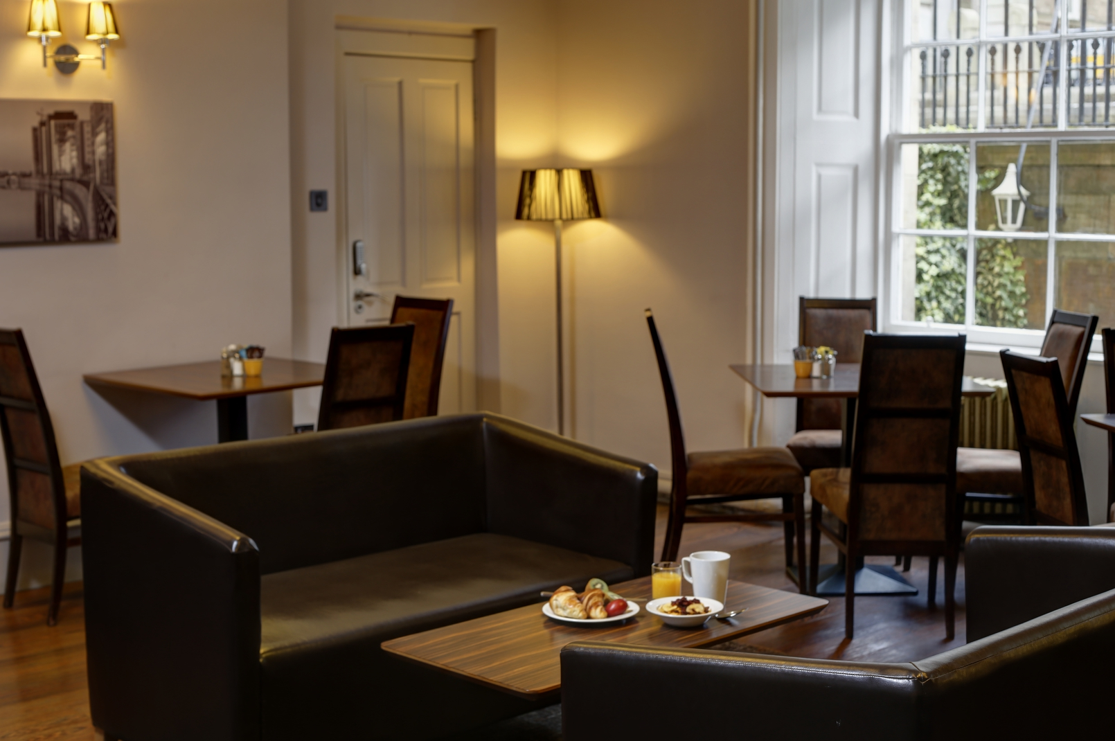 sofa shops glasgow city centre florence knoll replica uk best western hotel dining 16 83525