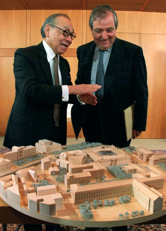 US architect Ieoh Ming Pei gestures as he explains a model of his design for the German Historical Museum in Berlin to German Housing and Construction Minister Klaus Toepfer during a presentation in the chancellory in Bonn