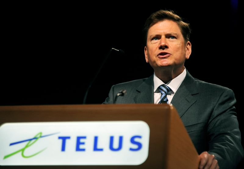 Telus says 5,000 jobs at risk if forced to open network to wireless resellers: report