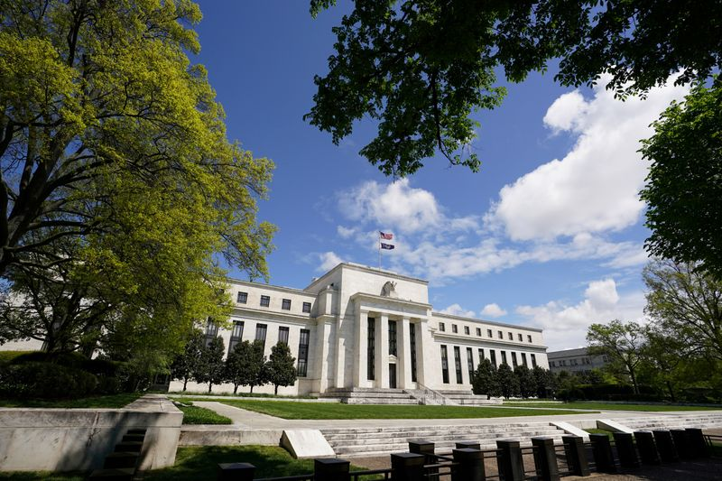 Fed says around 600 smaller banks tapped PPP facility in its first days