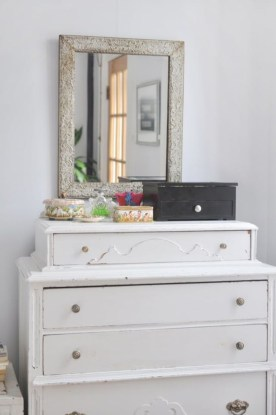 Clever ideas to makeover your mirror 35