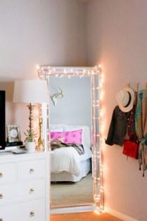 Diy first apartment decor ideas on a budget 32