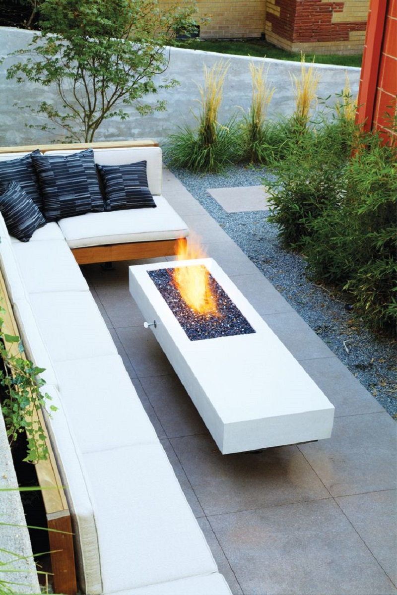 Resort style fire pit