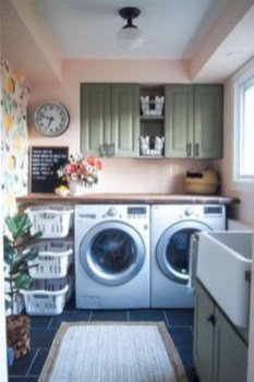 Beautiful and functional small laundry room design ideas 14