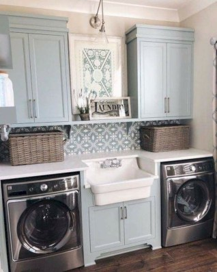 Beautiful and functional small laundry room design ideas 42