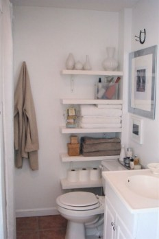 Built-in bathroom shelf and storage ideas to keep your bathroom organized 38