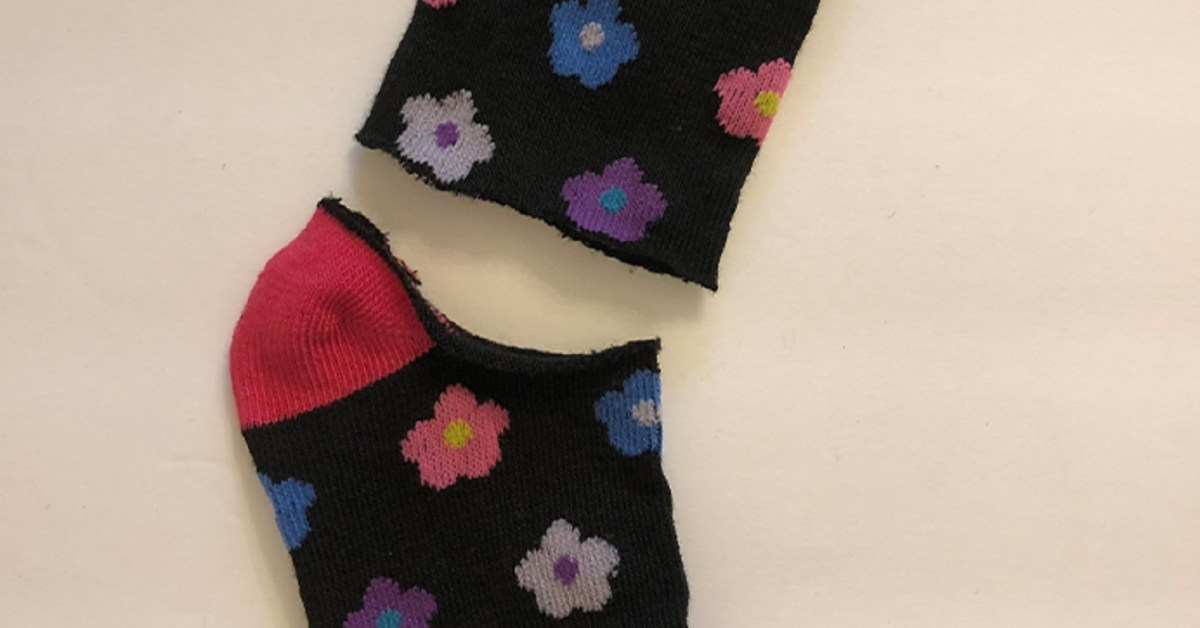 DIY Cool And Lovely Fingerless Gloves Using Sock That Is Easy And Only Takes A Couple Of Minute