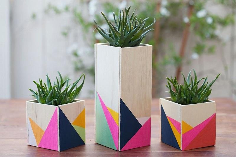 Color block wooden centerpieces