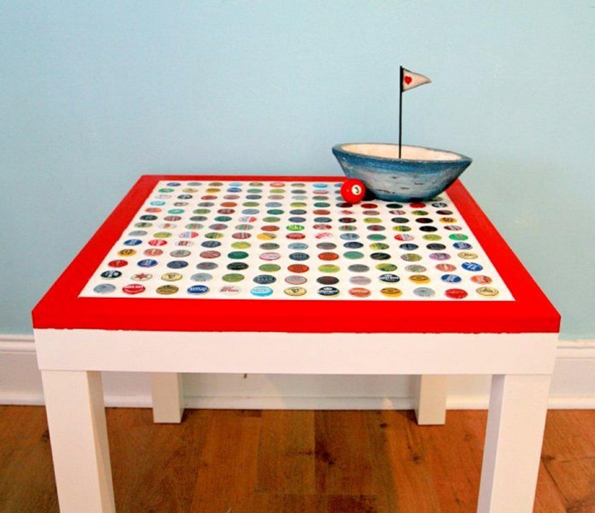 Chic bottlecap table DIY Out Of The Box Bottle Cap Craft Ideas That Kids And Adult Can Create Together