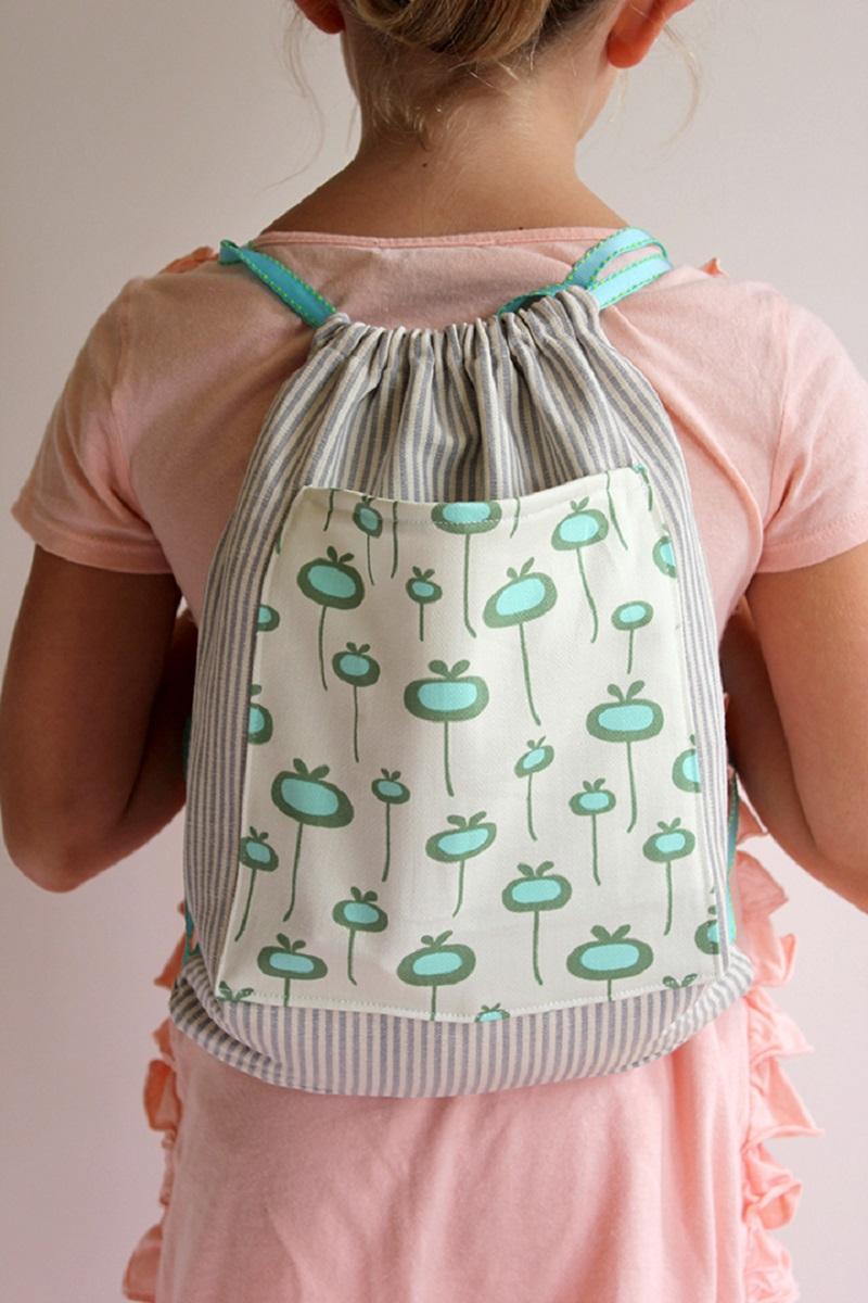Diy drawstring backpack DIY Backpacks Ideas For Your Kids' Back-To-School Season