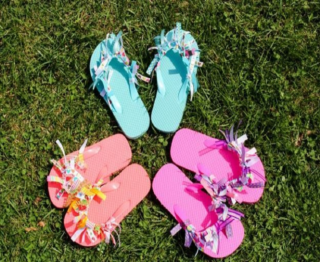 Diy ribbon flip flops DIY Picturesque Flip Flops Ideas That Are Great For Indoor Or Beach Day