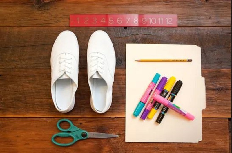 How to change your old white shoes to look new 1