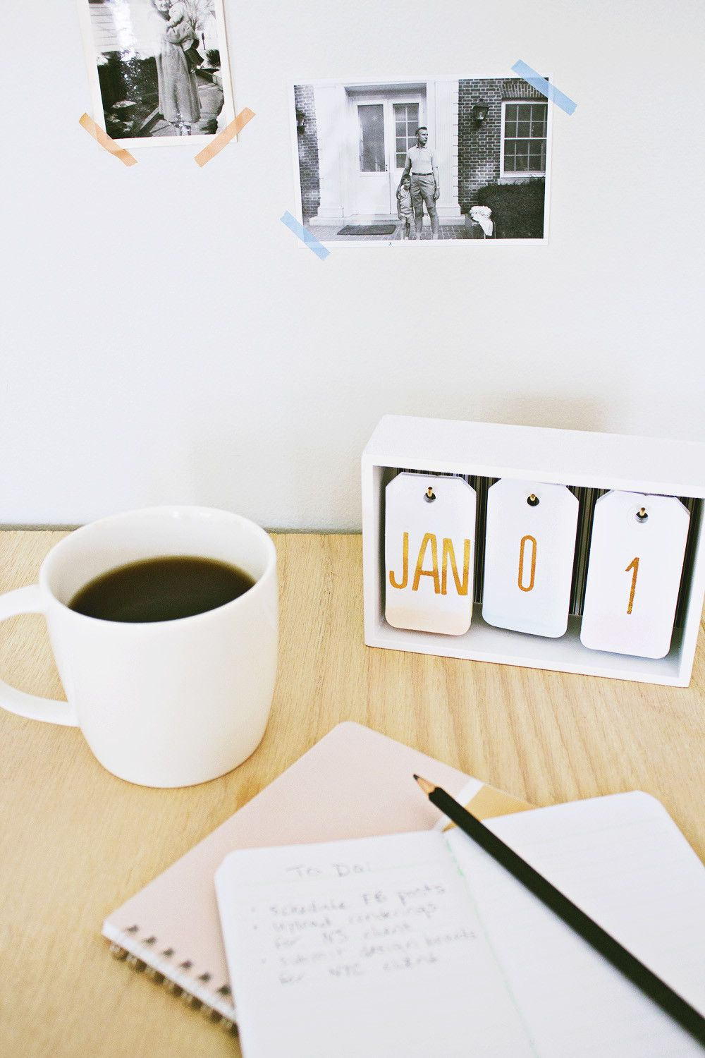 Modern ombre desk calendar Keep Your Days And Months Organized With DIY Calendars Instead Of Buy The New One