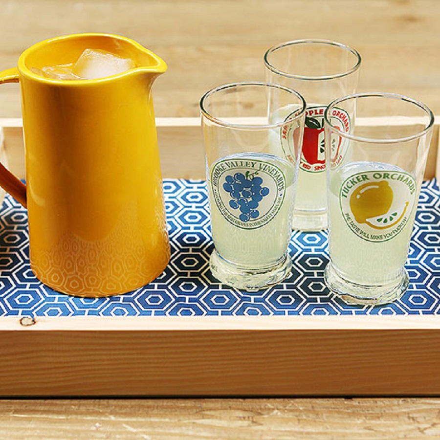 Stylish and sweet tray DIY Winsome Serving Trays To Show Your Stylish Detail