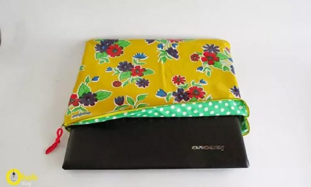 Cute flowered laptop case