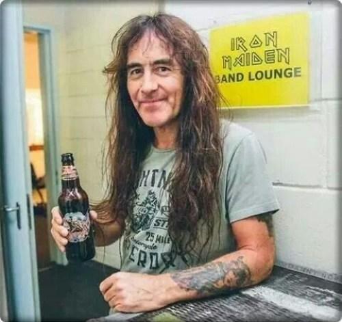 Steve Harris também esteve na festa, com a tradicional cerveja The Trooper. Apesar de inúmeras matérias, o Iron ainda não teve sua Discografia Comentada