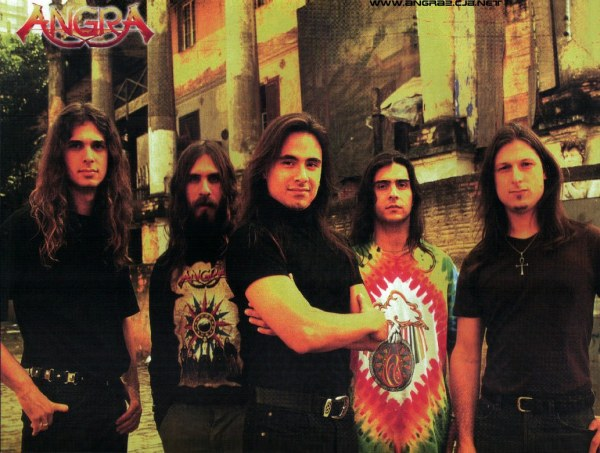 Angra em 1996: Kiko Loureiro, Luis Mariutti, Andre Matos, Ricardo Confessori e Rafael Bittencourt