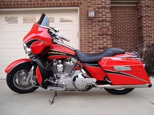 2004 HarleyDavidson FLHTCSE Screamin Eagle Electra