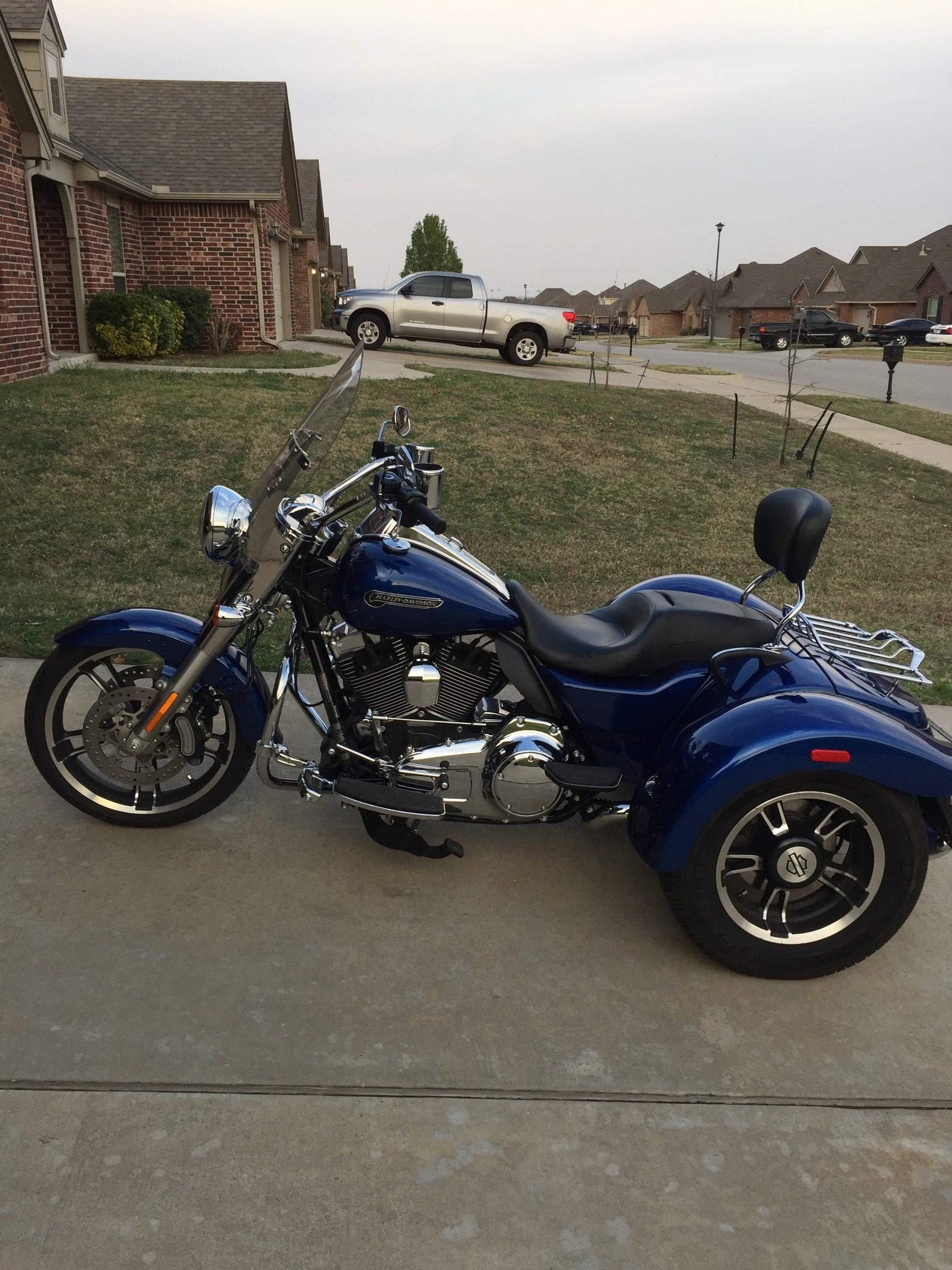 2015 HarleyDavidson FLRT Freewheeler Blue Broken