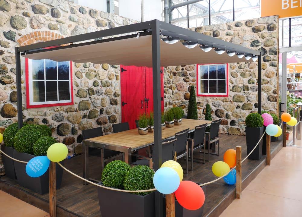 Ombrelloni da giardino in legno, decentrati e centrati di colore bianco, beige, marroncino per installazione all'interno di tavoli e tavolini. Gazebi E Ombrelloni Giardino Vendita Treviso