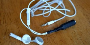 How To Make Any Pair of Headphones Smart Phone Capable  Tested