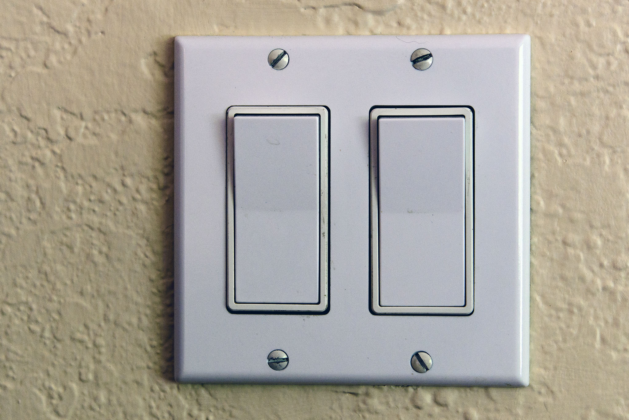 Threeway Switches Control Lights And Receptacles From Two Points For