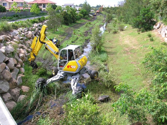 spider excavator hire equipment
