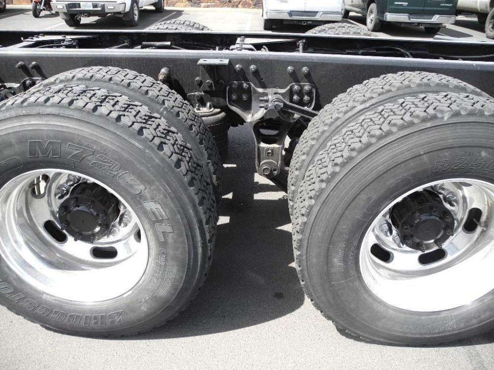 medium resolution of 2008 kenworth t800 cab chassis truck