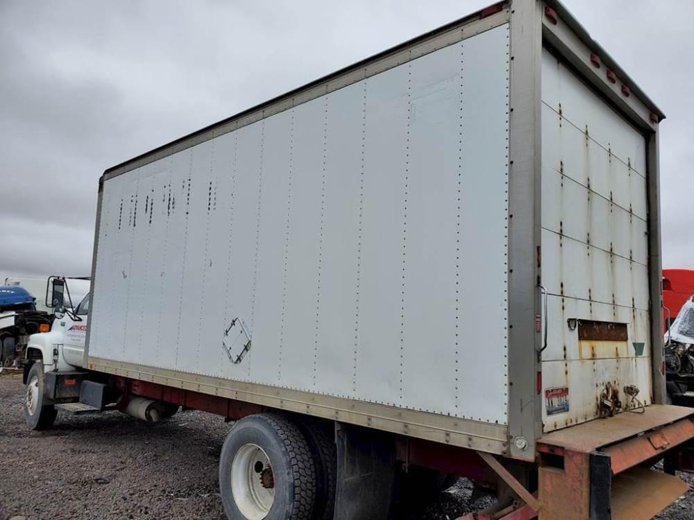 medium resolution of 1990 21ft dry van box door has some wear no holes or damage to