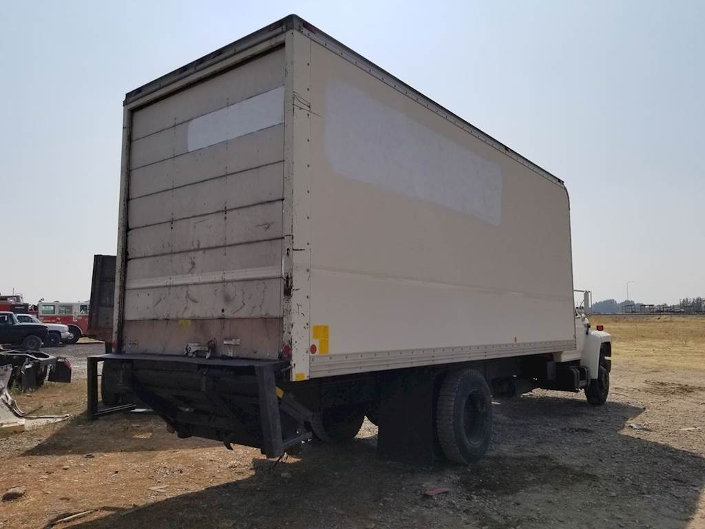 hight resolution of 1993 good used dry van box door has some wear the rest of the
