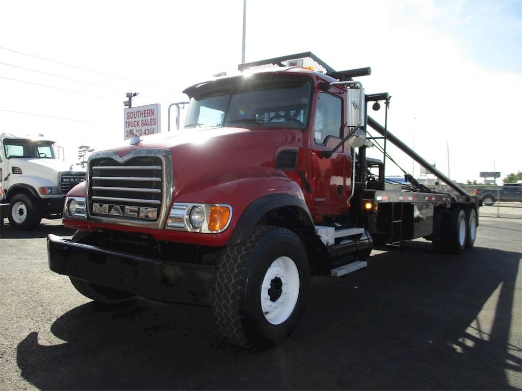 hight resolution of 2006 mack granite cv713 tandem axle oil field truck ai 460hp