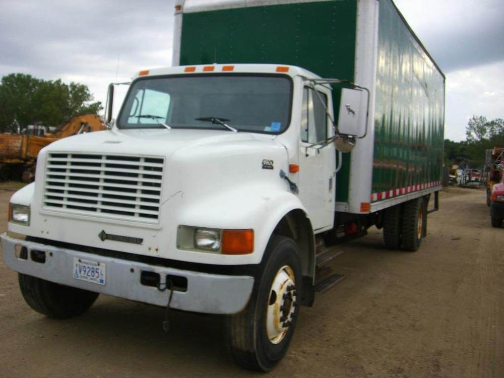 medium resolution of 1998 international 4900 box truck