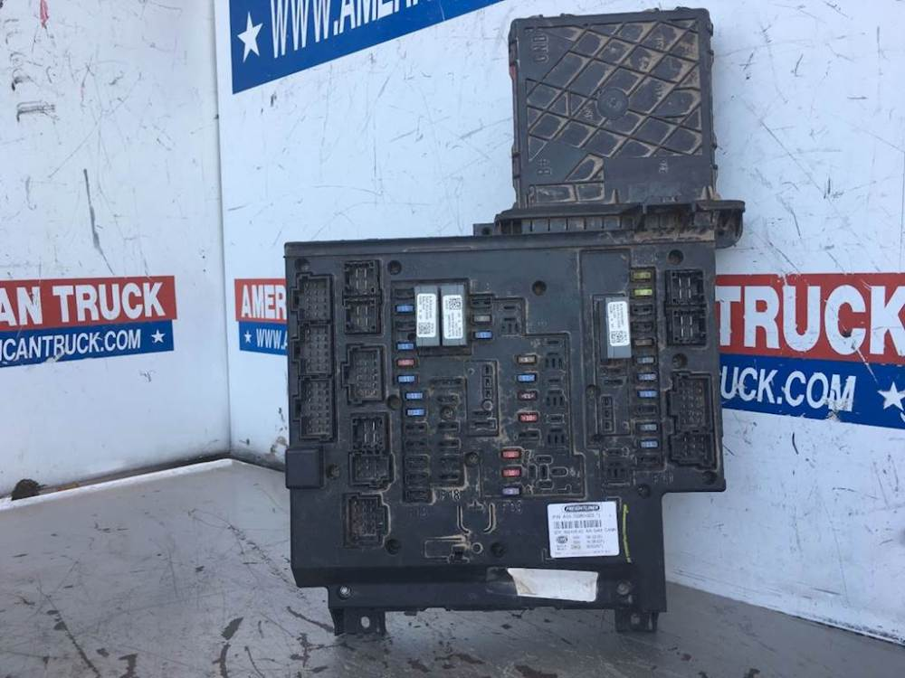 medium resolution of used fuse box power distribution module a06 75980 002
