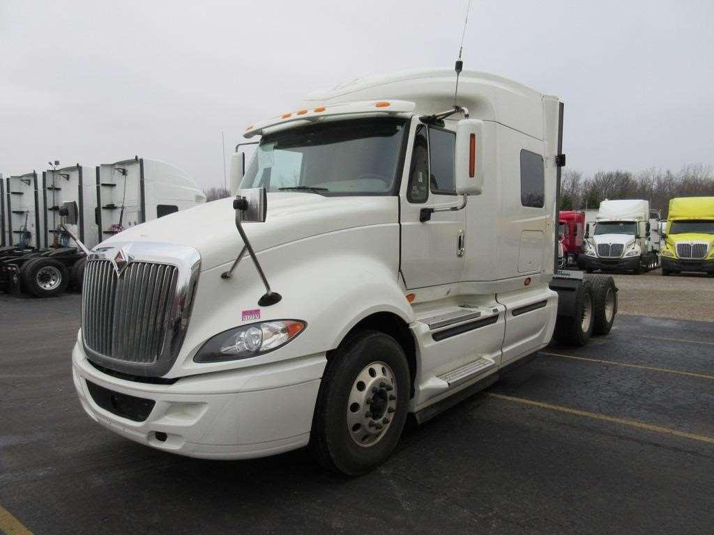 Custom International Sleeper Truck