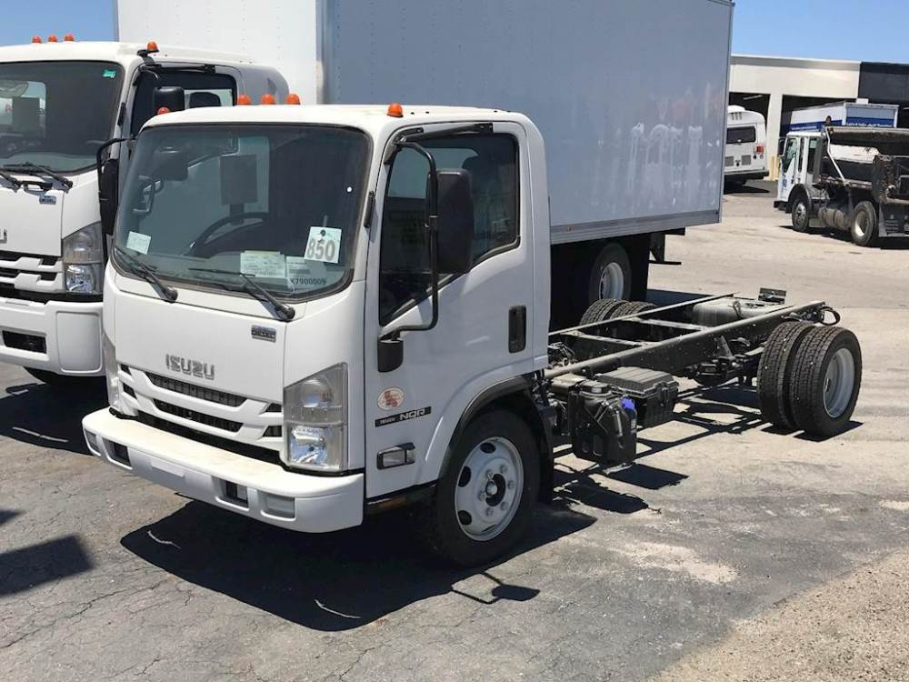 medium resolution of 2019 isuzu nqr cab chassis truck