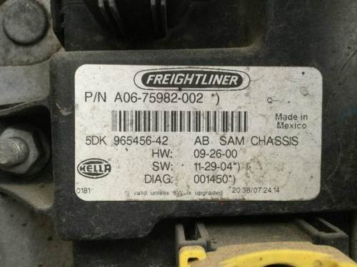 small resolution of 2015 freightliner cascadia cab control module cecu