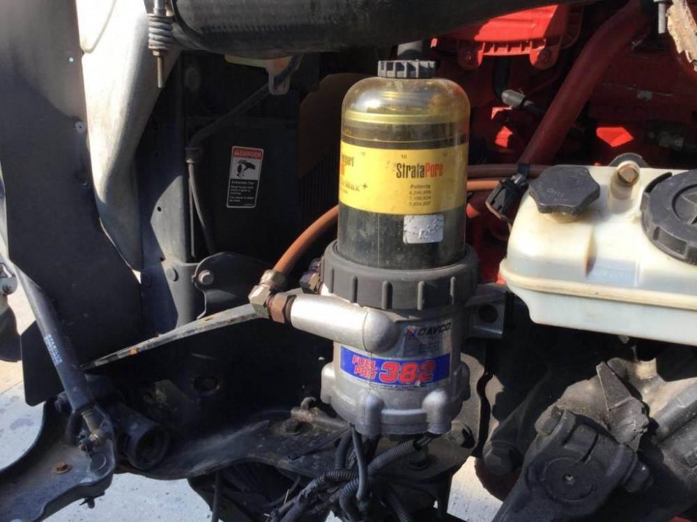 medium resolution of 2013 cummins isx15 fuel filter base for a freightliner cascadia