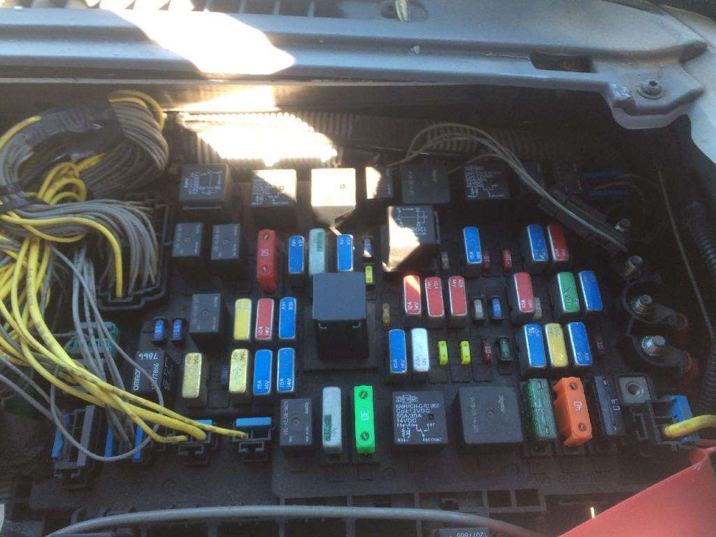 hight resolution of 2006 freightliner century class 120 fuse box for a 2011 freightliner business class m2 fuse box