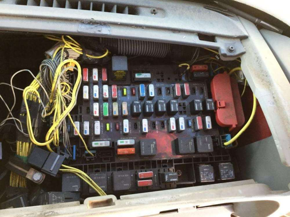 medium resolution of freightliner fuse box location schema wiring diagram 2004 freightliner century class 120 fuse box for a