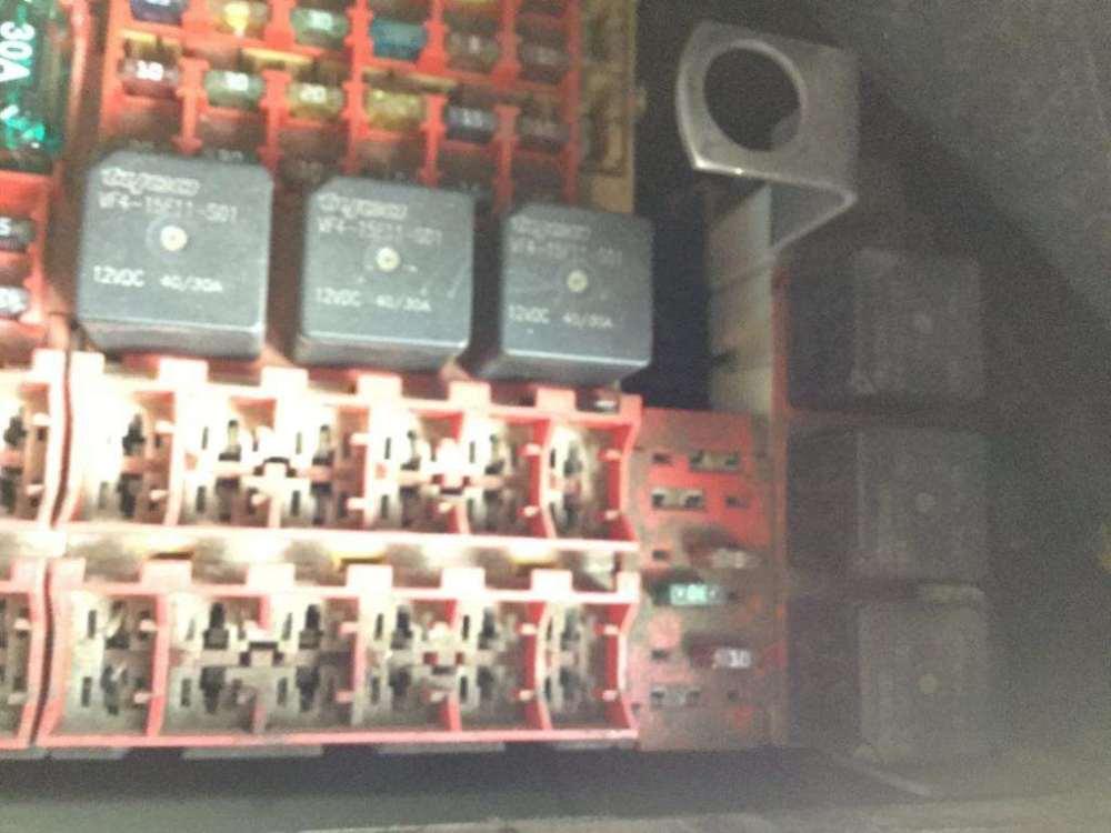 medium resolution of fuse boxes panels kenworth t2000 9500505 wiring diagram kenworth t2000 kenworth t800 wiring