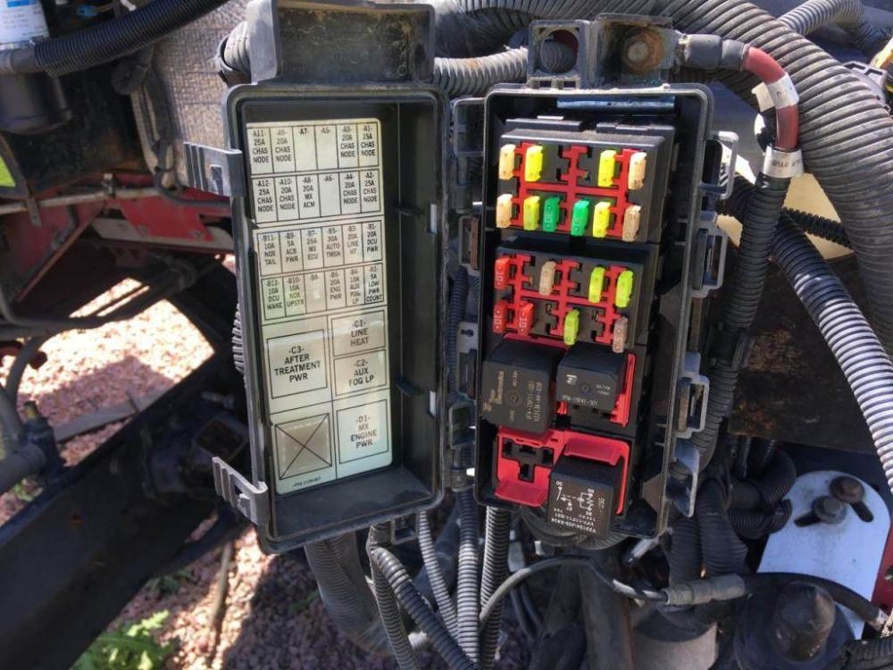 medium resolution of kenworth fuse box light wiring diagram fascinating kenworth t800 fuse box location kenworth fuse box