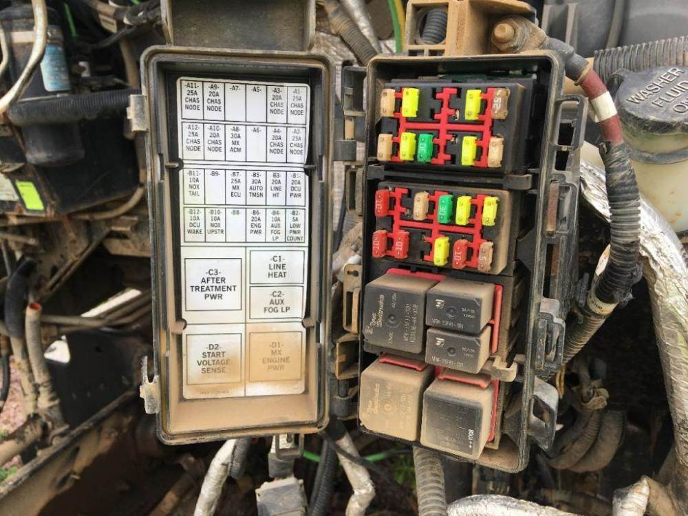 medium resolution of 2011 kenworth fuse box wiring library 2011 kenworth fuse box wiring library 2012 kenworth t660 fuse box diagram 2011 kenworth t800 fuse