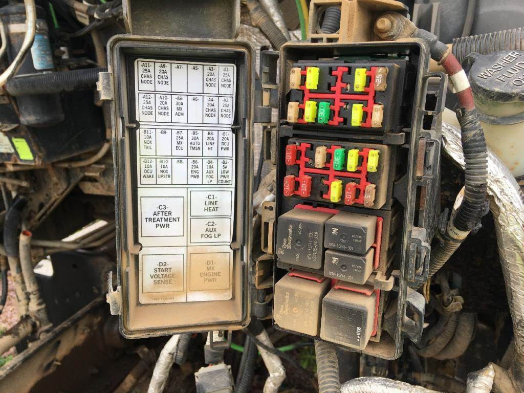hight resolution of kw t800 fuse box wiring diagram expert kenworth t800 fuse box diagram 2011 kenworth fuse box