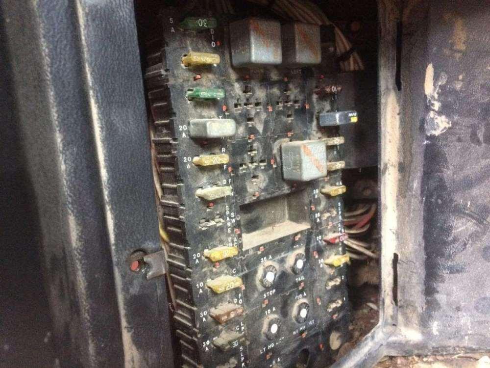 medium resolution of peterbilt fuse box wiring diagram subcon rh 1 3 ocotillo paysage com 2005 peterbilt 379 fuse